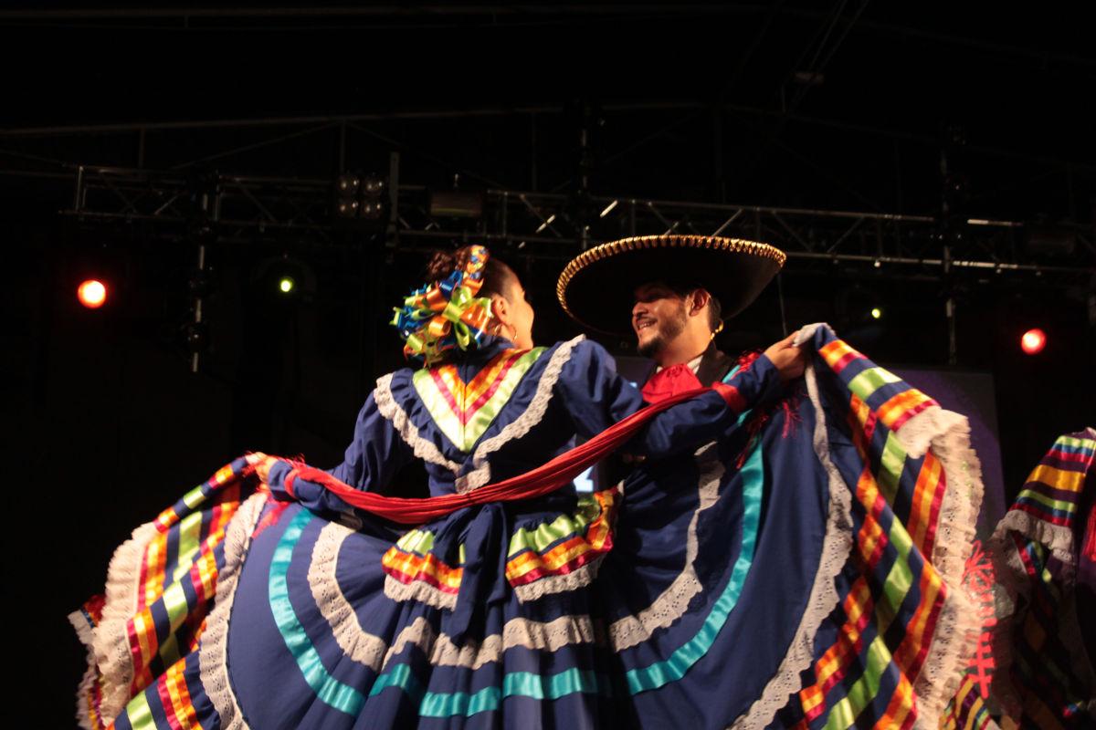 Compañia Folklórica del Bernal